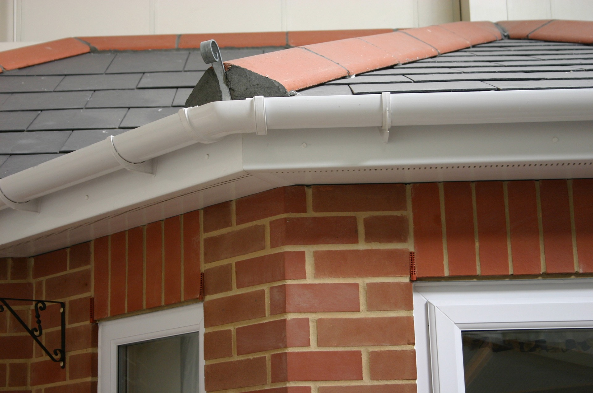 fascias soffits and guttering westcliff on sea